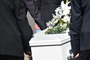 betydningen af drømme om en kiste - drømmetydning en begravelse som drømmesymbol